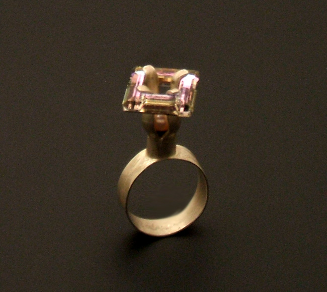pink-crystal-ring-view3_0