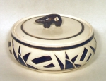 bear-guard-covered-bowl-porcelain